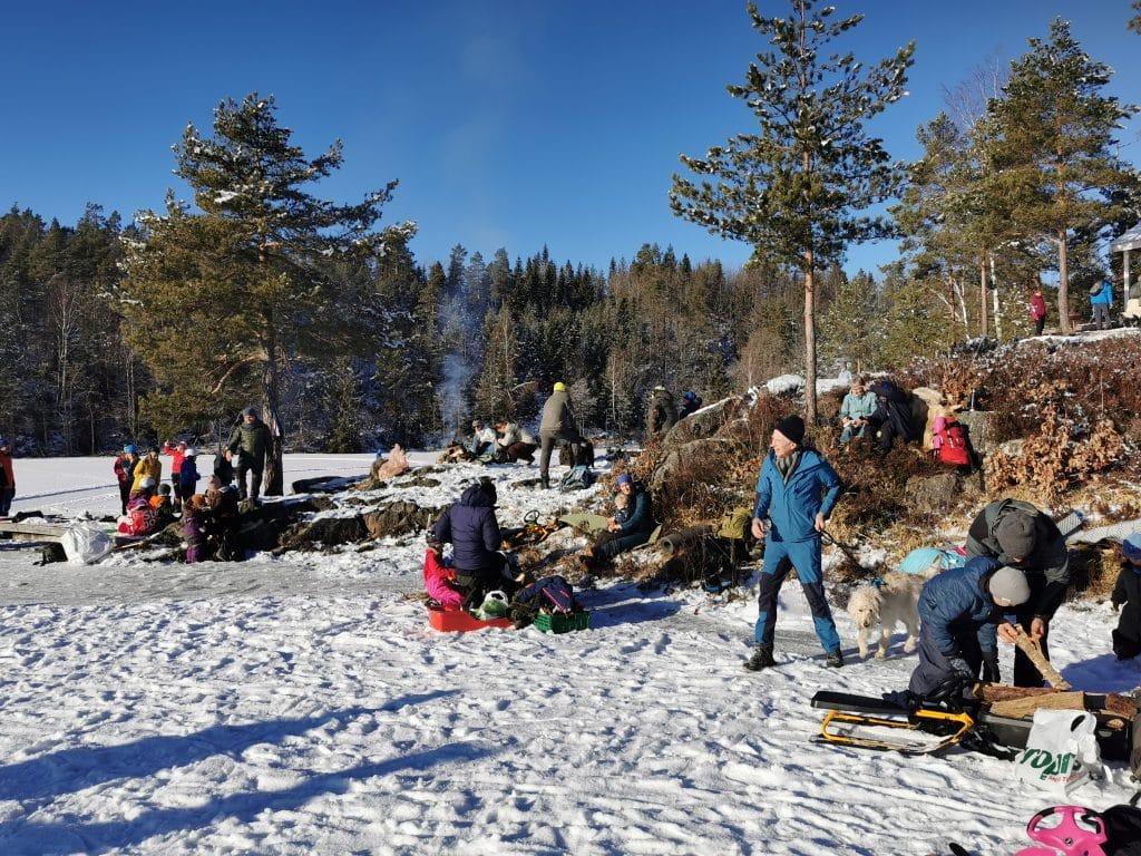 SØNDAGSMØTE PÅ BØYLESTADVANNET 15